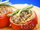 Рецепта Пълнени домати със спанак, сирене и яйца